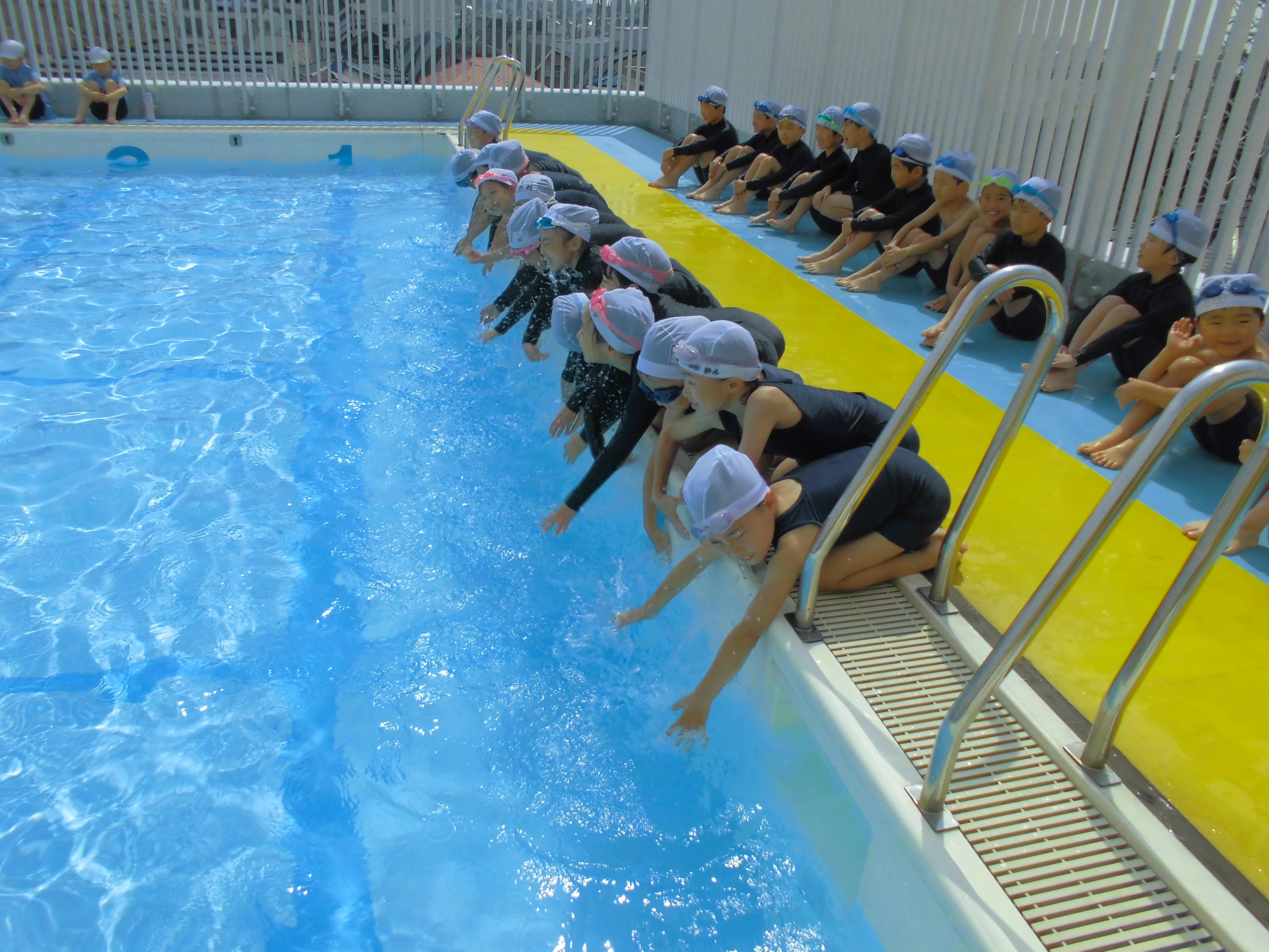 2018年低学年水泳サブ1.JPG